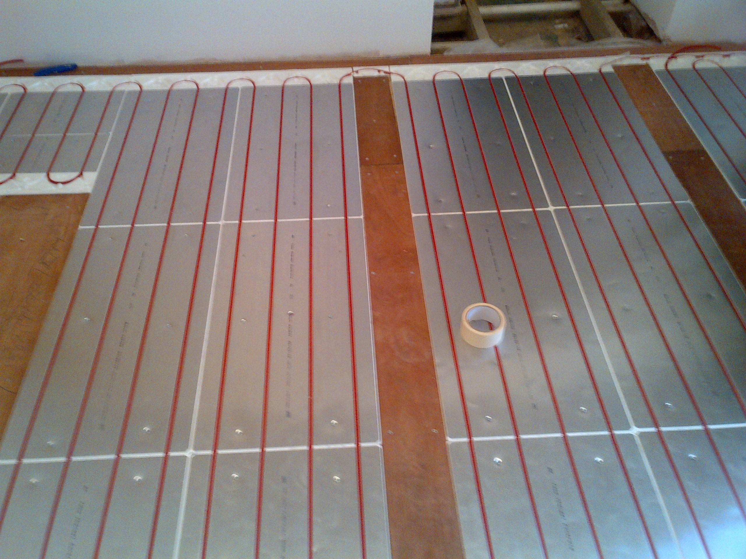 Electric underfloor heating water underfloor heating under img 20120208 00029g dailygadgetfo Choice Image